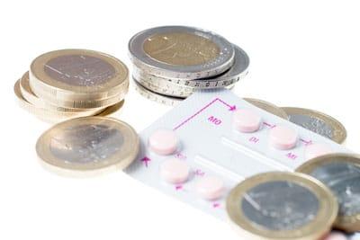 Anti Baby Pille mit Euro Geldstücken