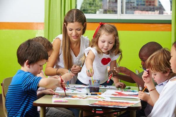 Tuschen im Kindergarten